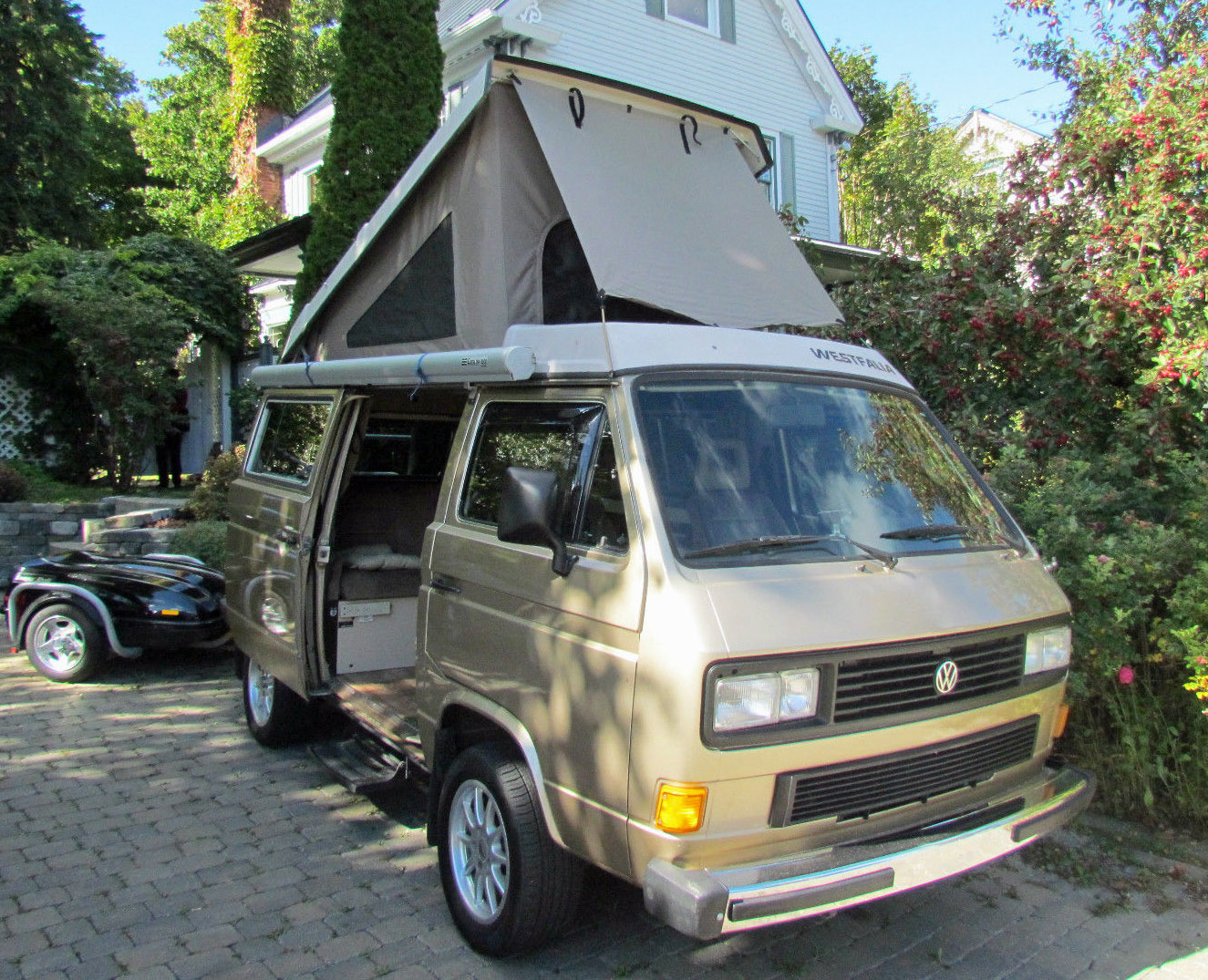 1986 vw vanagon syncro westfalia camper in quebec ca 30k usd starting bid. Black Bedroom Furniture Sets. Home Design Ideas