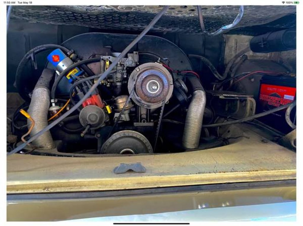 1971 VW Riviera Camper Pop Top Engine