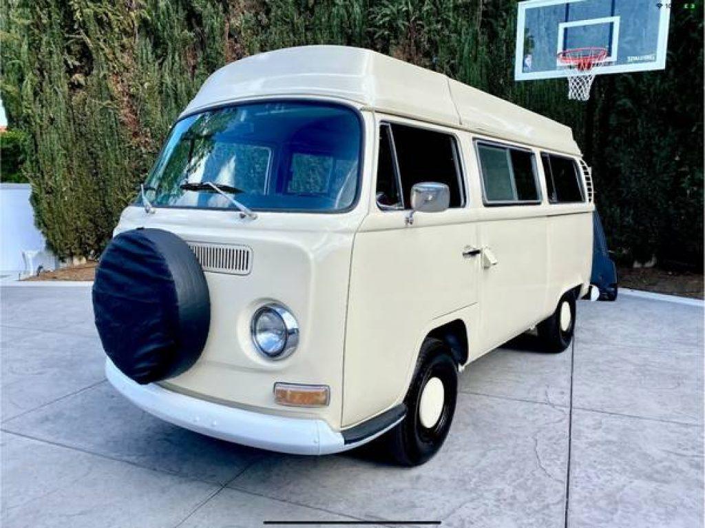 1971 VW Riviera Camper Pop Top Exterior