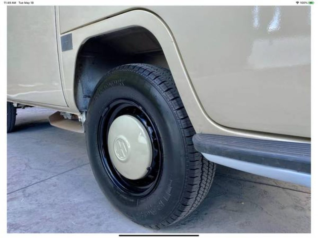1971 VW Riviera Camper Pop Top Hub Caps