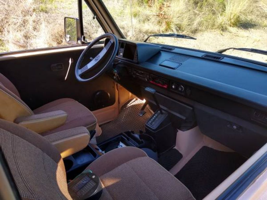 1986 Volkswagen Vanagon Westfalia Interior Dash