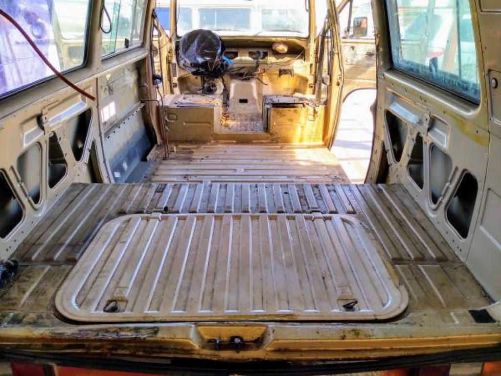 1986 Volkswagen Vanagon Westfalia Stripped Interior