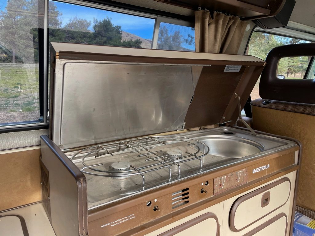 1986 volkswagen vanagon syncro westfalia cabin kitchenette